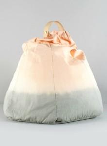 Vi har også fået de smukkeste sækkestole i tie-dye hjem fra Mimi's circus. De fås i 3 lækre farver.
